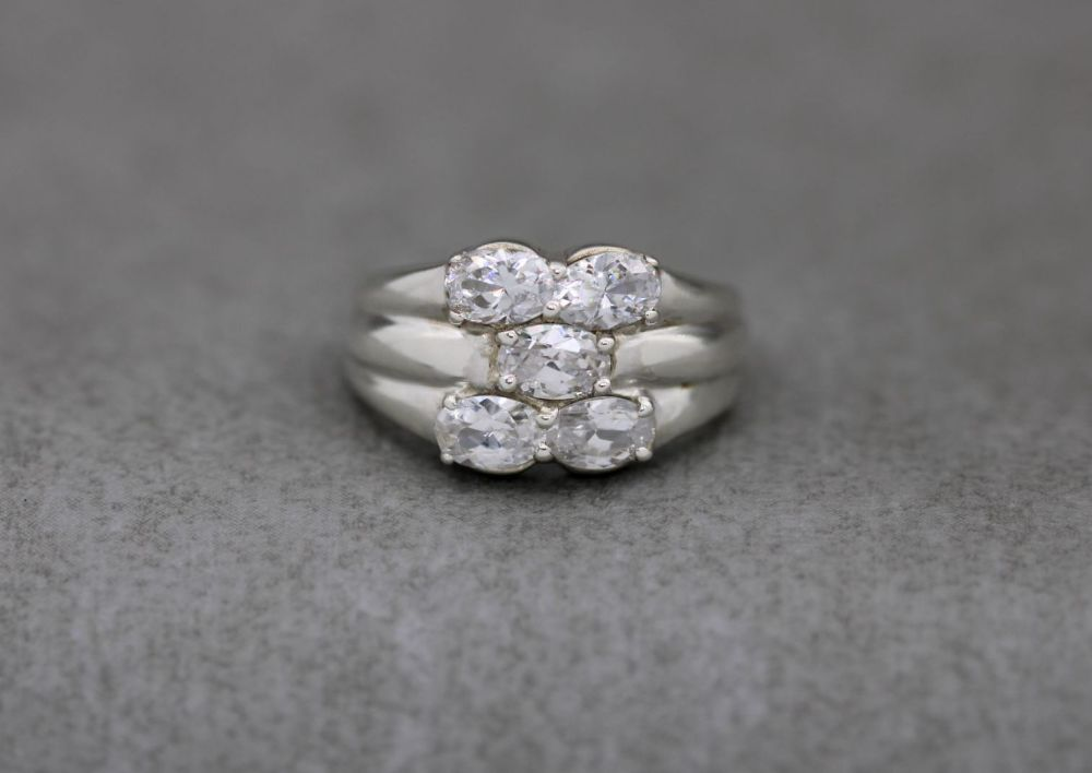 Sterling silver & clear oval stone ring