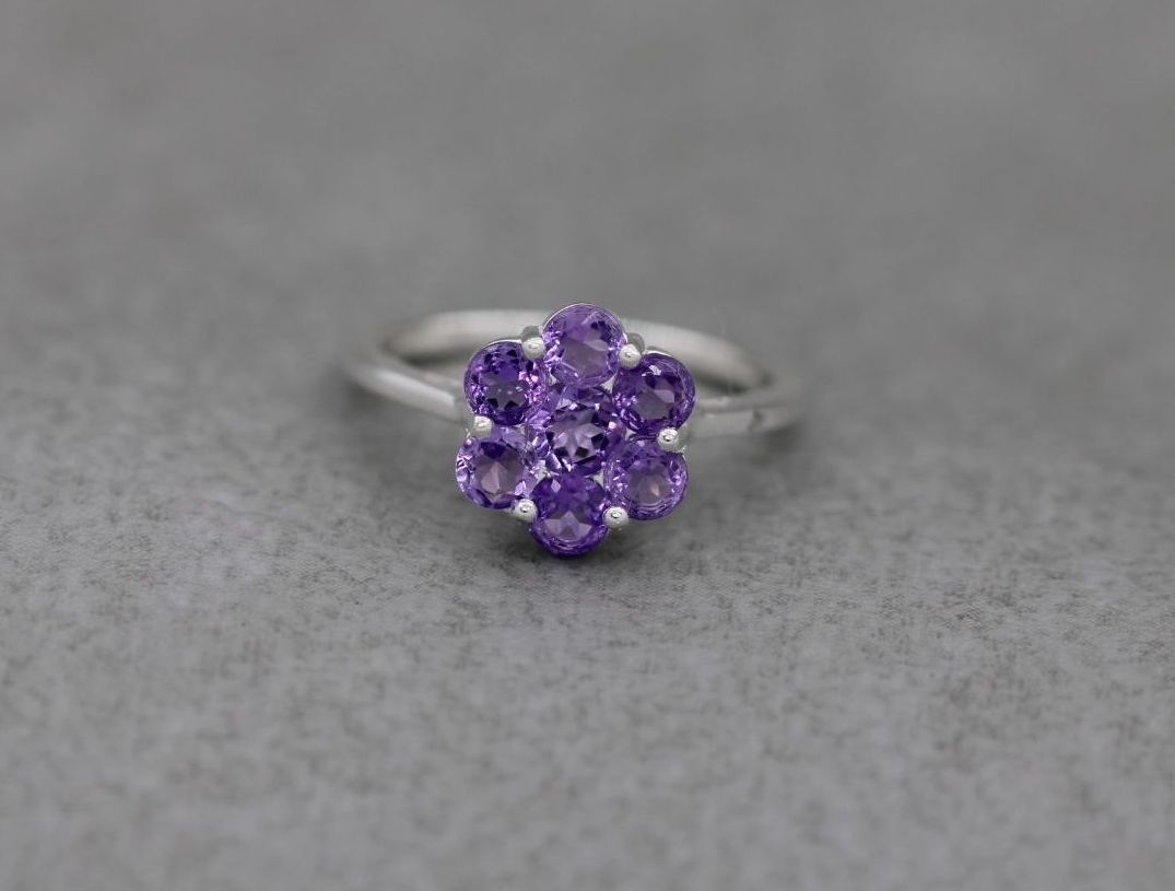 Sterling silver & amethyst cluster ring (S)