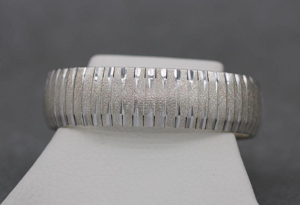 Italian sterling silver textured omega chain bracelet