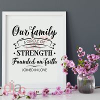 OUR FAMILY, A CIRCLE OF STRENGTH...<br>15 x 15 cm