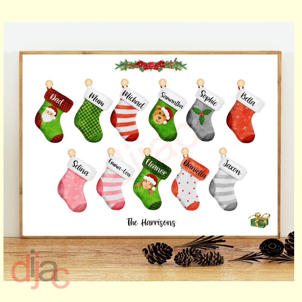 <!-- 010 -->11 CHARACTER CHRISTMAS STOCKING (D2) FAMILY PRINT