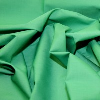 es005-emerald-green-plain-polycotton-dress-fabric-emerald-green-per-metre