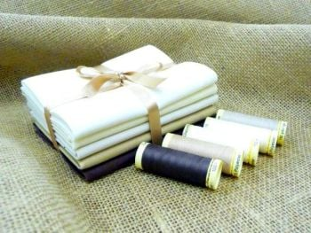FQB8 Fat Quarter Bundle & Threads - Creams