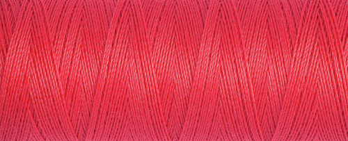 16 Red Guterman Sew All Thread 100m
