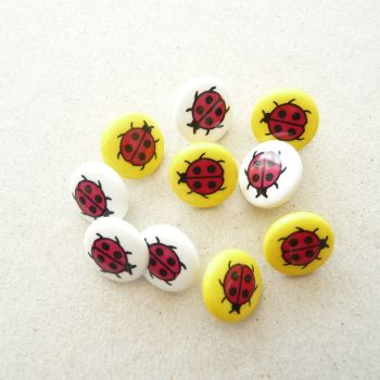 K353 Ladybird Buttons x 10 assorted colours