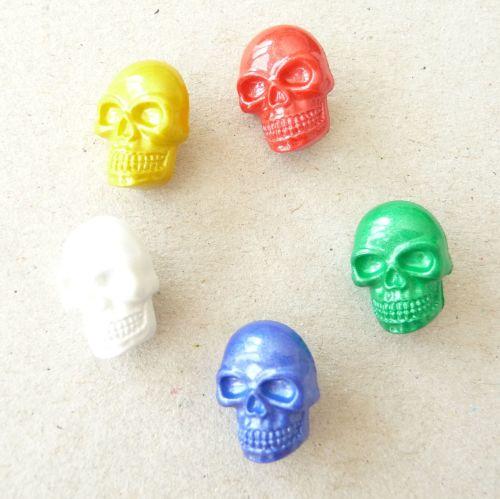 LK592 Skull Buttons x 10
