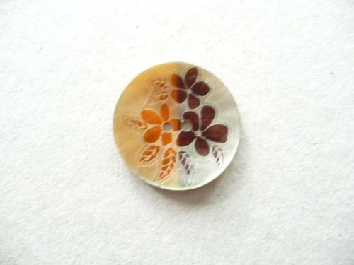 X758-Orange-24L Handmade Painted Sea Shell 15mm Buttons x 10