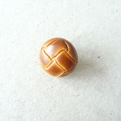 W591-24L Light Tan Brown Football 15mm Buttons x 10