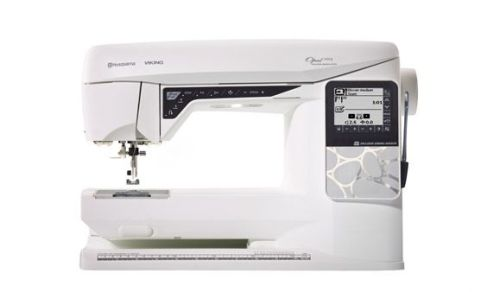 Husqvarna Viking - Opal 690Q - Electronic Sewing Machine