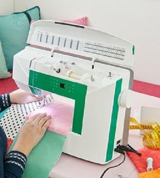 Husqvarna Viking - Jade 20 - Electronic Sewing  Machine