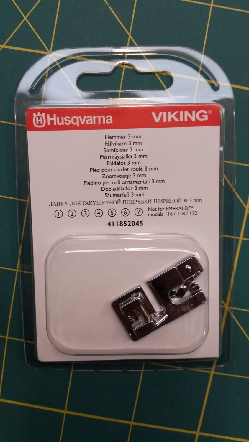 Husqvarna Viking 3mm Shelled Rolled Hem Foot 411852045 Fits most Viking mac