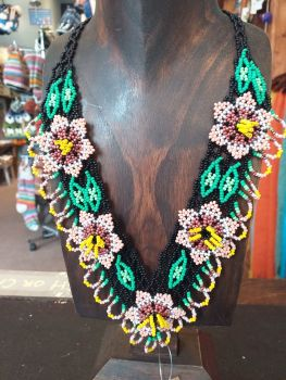 Beaded  Flower Necklace - Pink