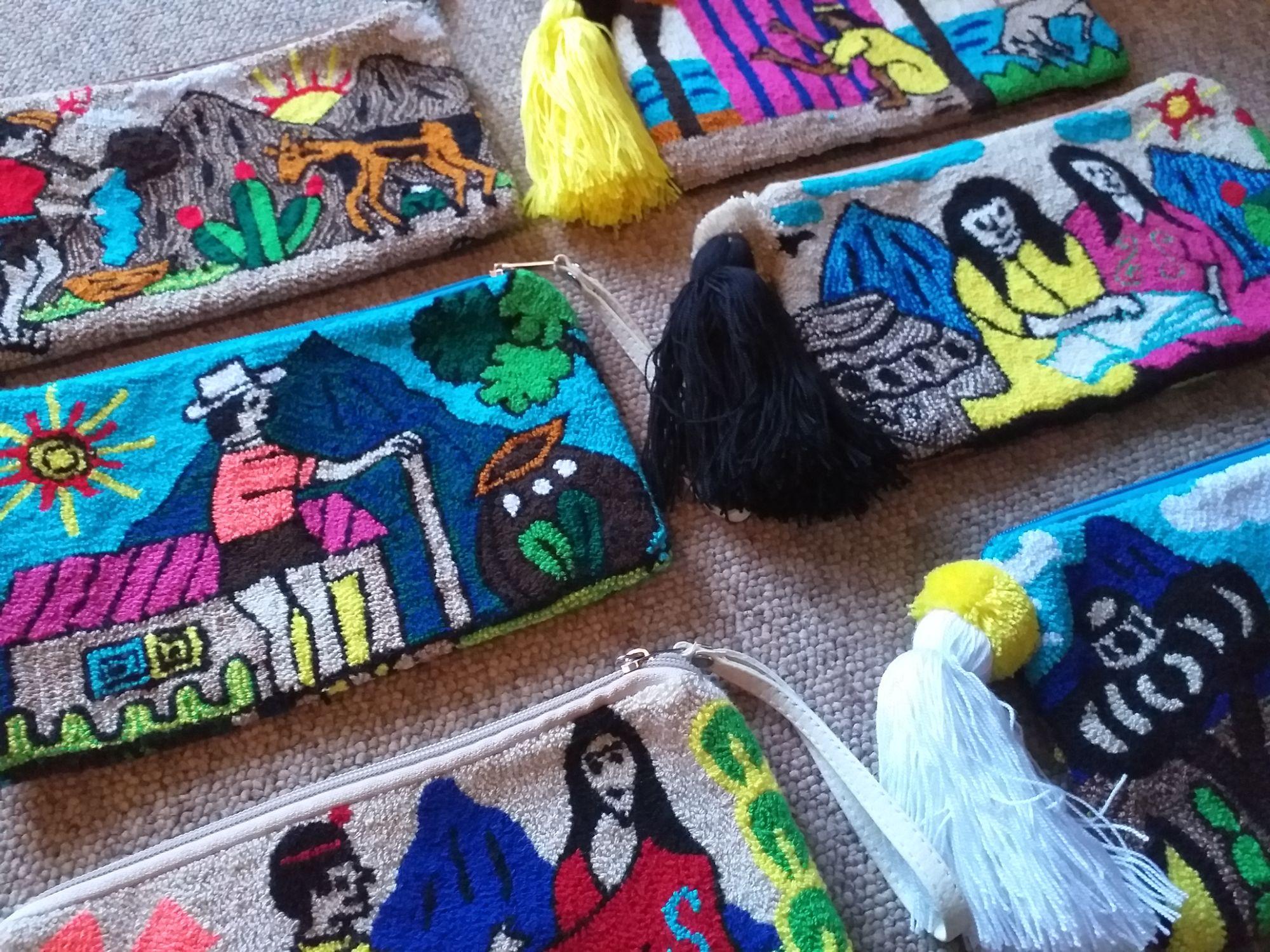 colombian wayuu pouch bags