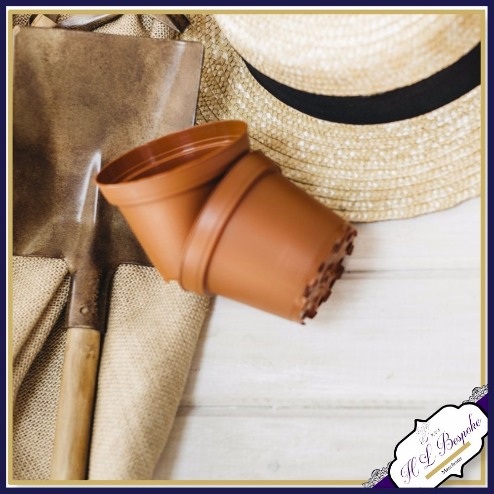 <!-- 011 --> Gifts For Gardeners
