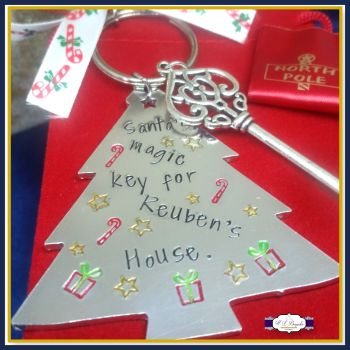 Personalised Magic Key - Santa's Magic Key To NAMEs House Hand Stamped On A Tree Shape And You Choice Of Ribbon - Magic Key