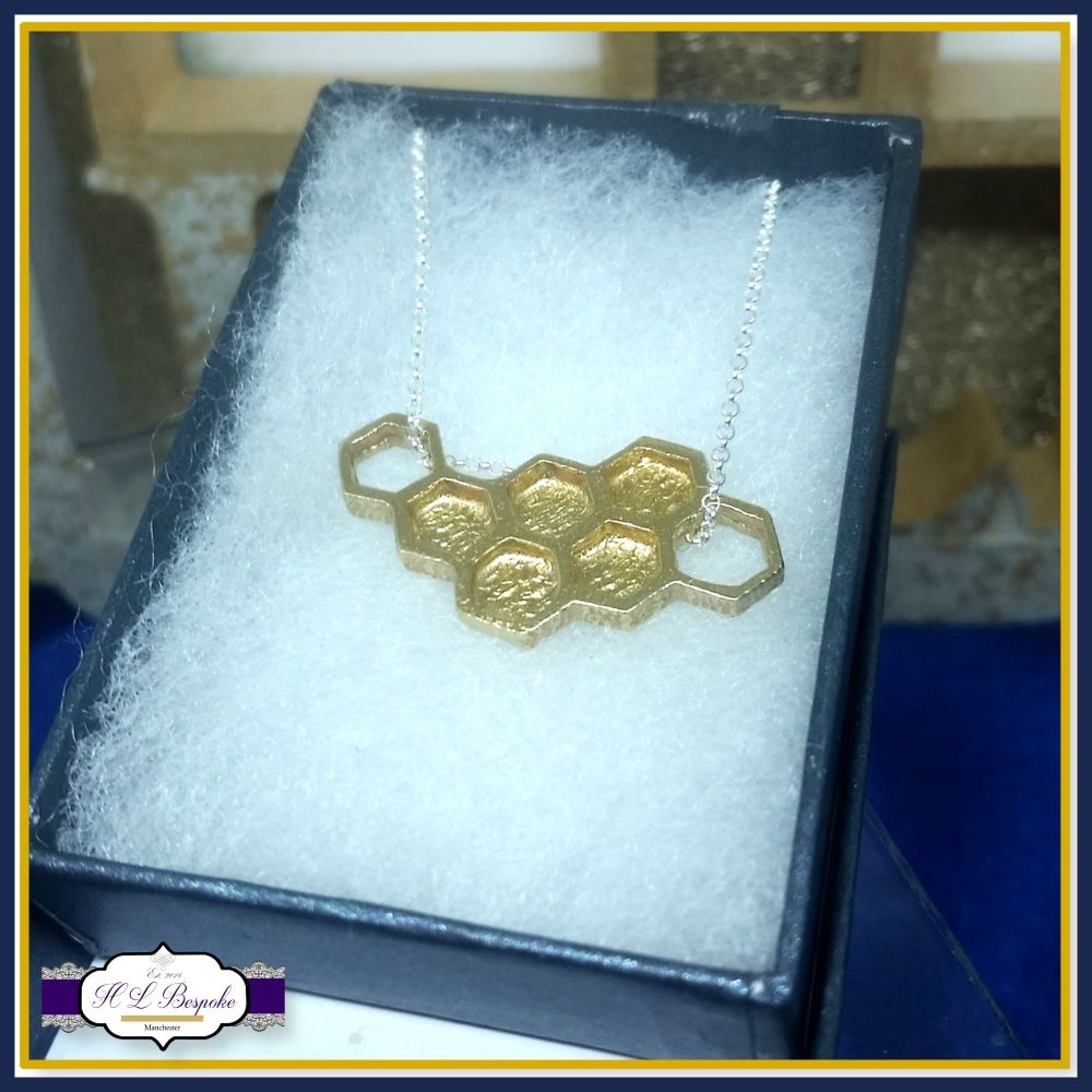 Personalised Gold Honeycomb Necklace - Honeycomb Jewellery - Gift For Bee L