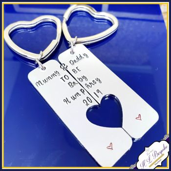 Baby Shower Gift For Mummy & Daddy To Be - Mummy To Be Gift - Daddy To Be Gift - New Baby Gift For New Parent - Mum And Dad Matching Keyring