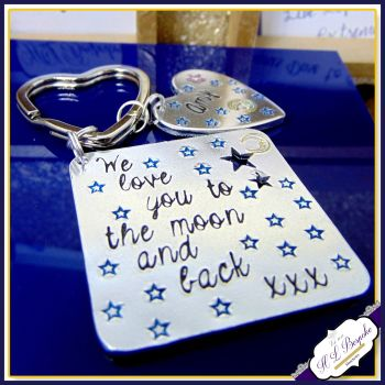 Personalised To The Moon And Back Keyring - Gift For Nanna - Keyring For Mummy - Moon & Back Daddy Keychain - Father's Day Keyring Love You
