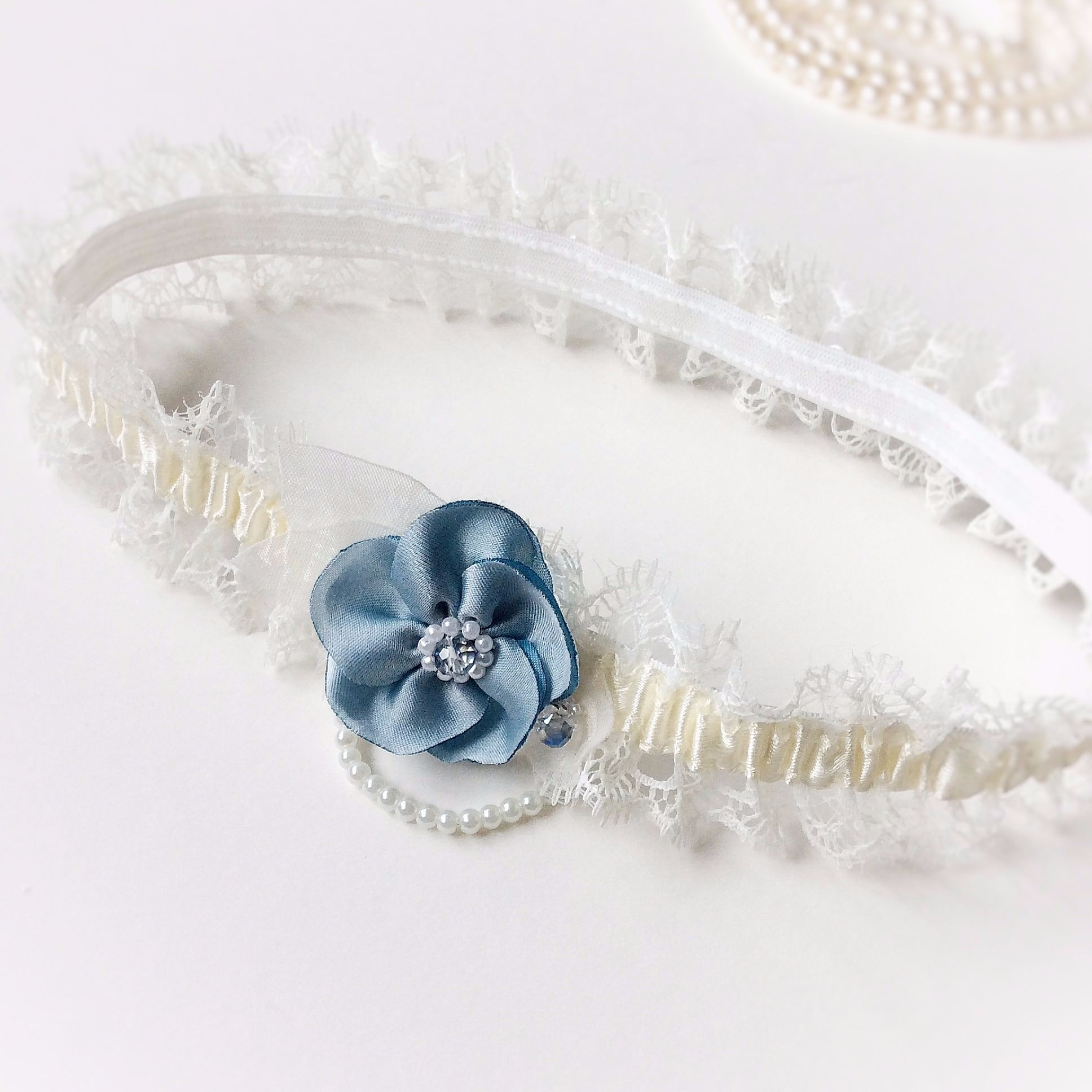 bridal garter with single blue flower, toss garter, keepsake garter