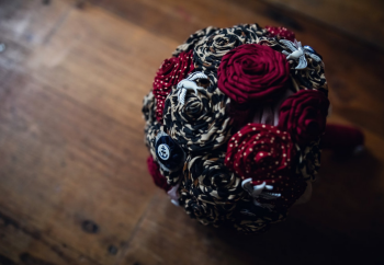 rockabilly bouquet by Blue Lily Magnolia, photo Assassynation