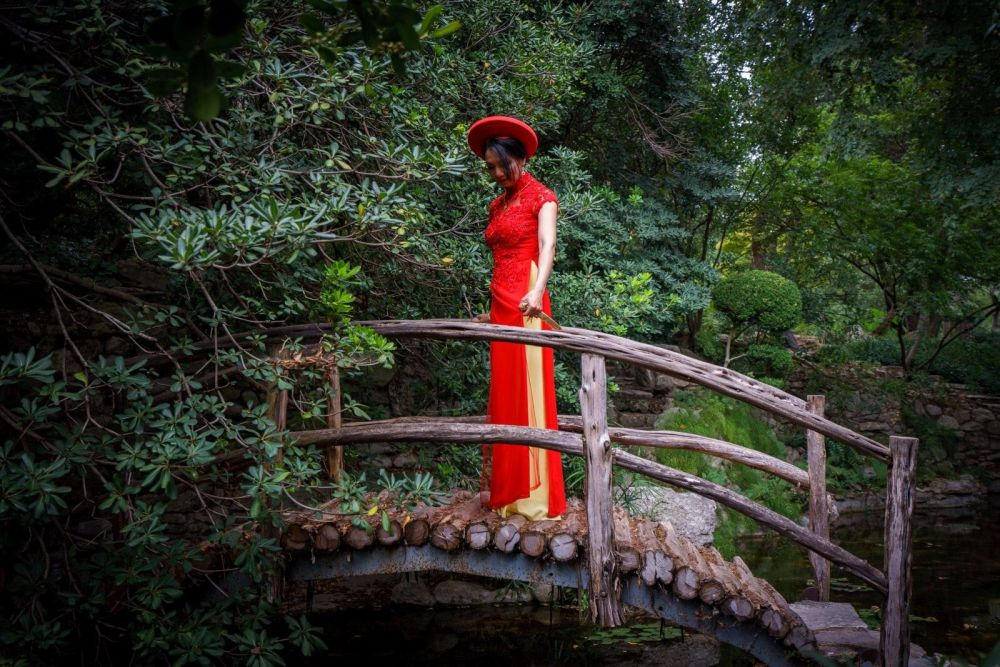 Togetsu Kyo Bridge Zilker Botanical Garden Vietnamese wedding outfit