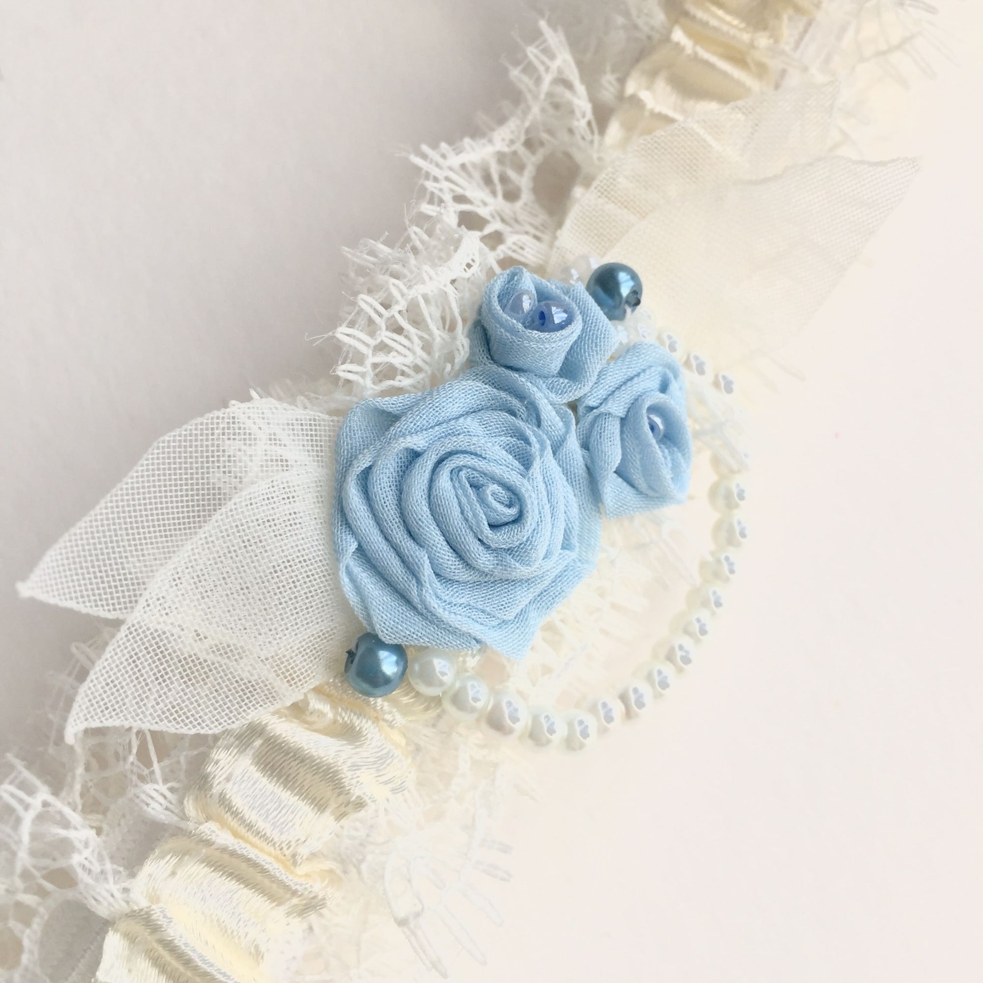 something blue wedding garter, with sky blue roses, vintage style, vintage wedding style garter