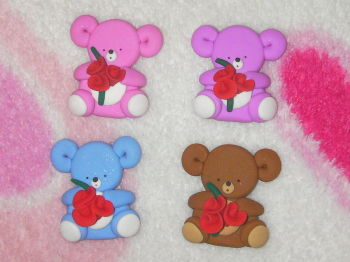 bear with roses