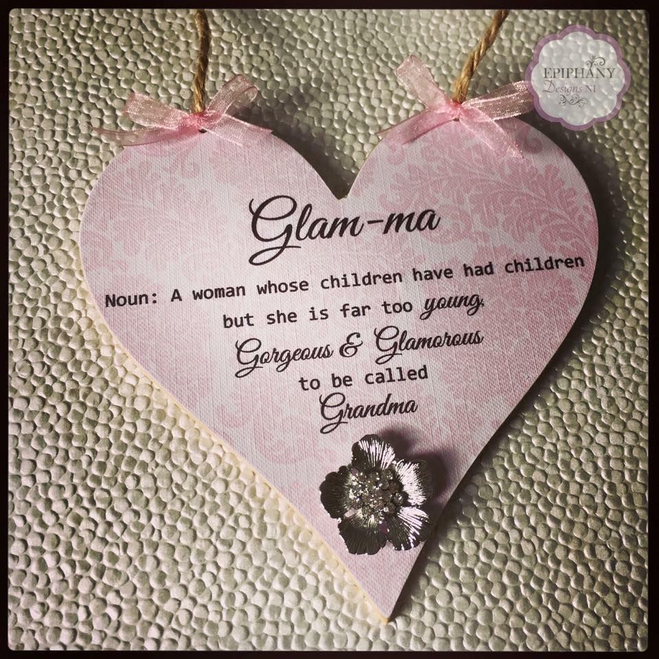 Hanging Heart 15cm with Glam-ma Quote