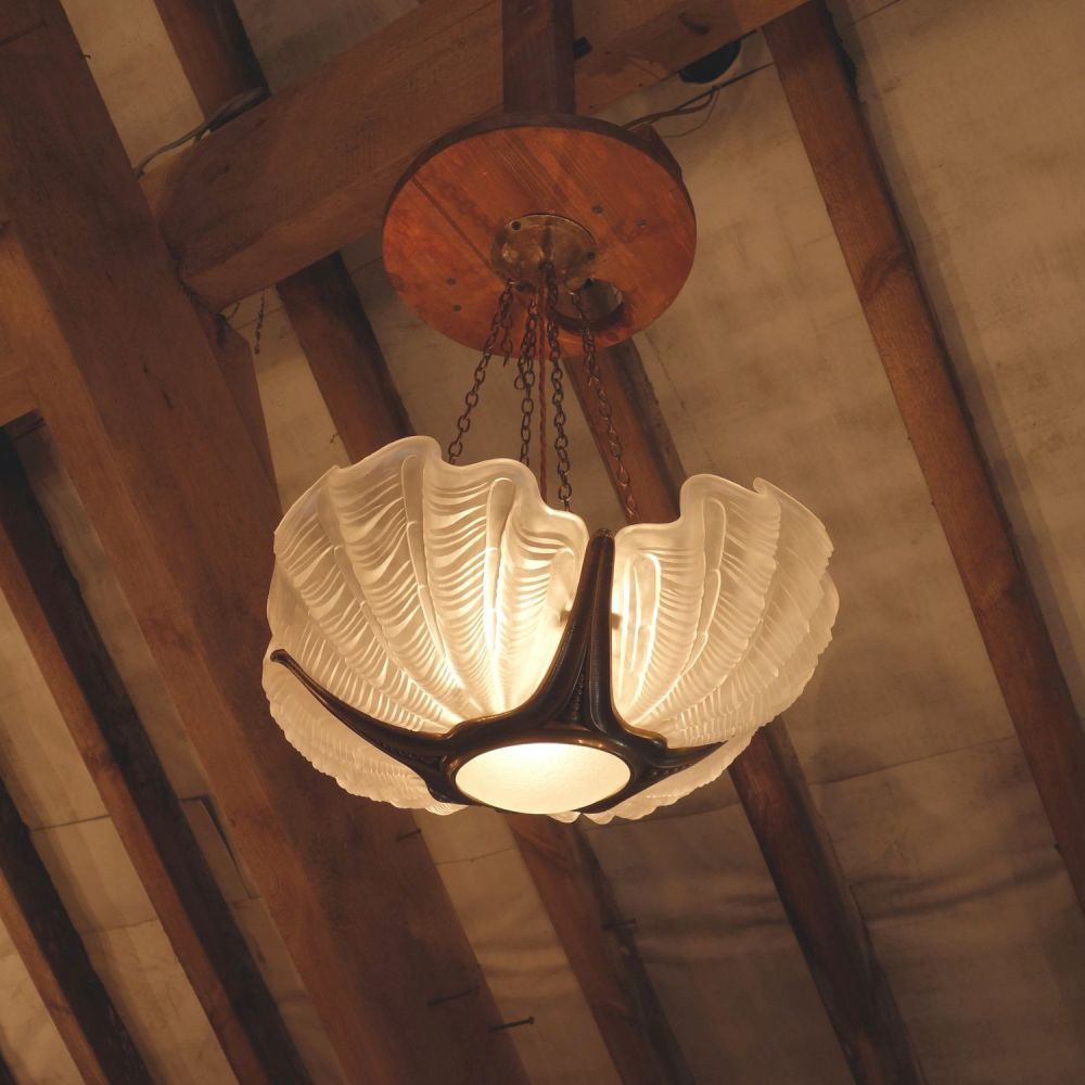 Art-Deco-Shell-Light-4
