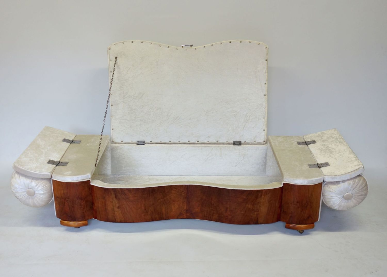 Art-Deco-Ottoman-daybed-6