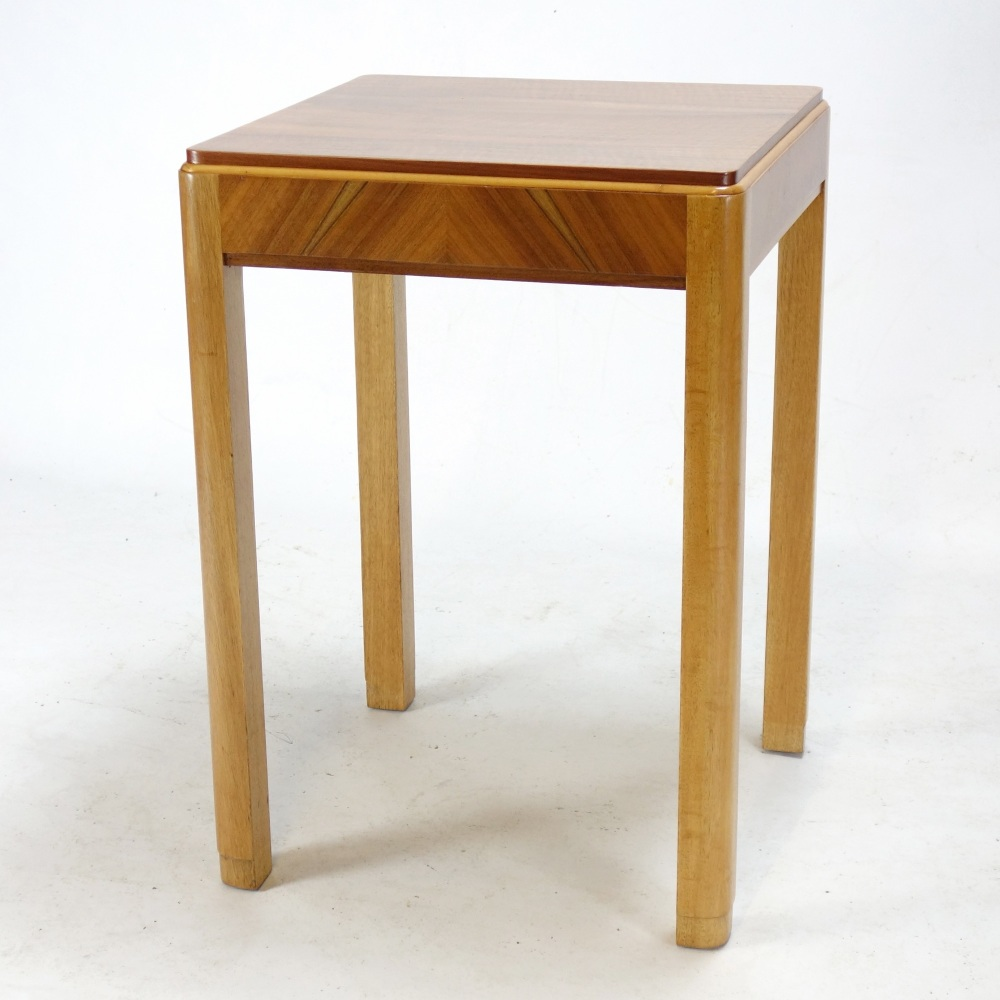 Art-Deco-Lamp-Table-2