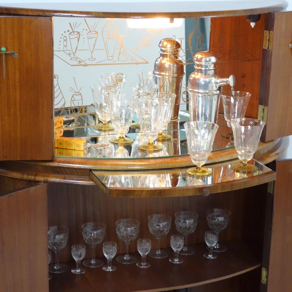 Art-Deco-D-Bar-lit-full