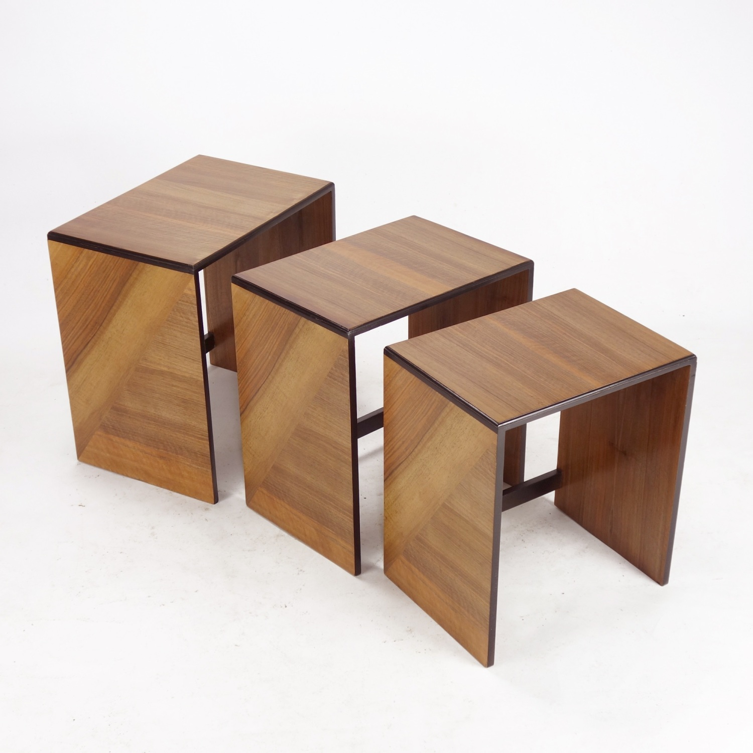 Art-Deco-Walnut-trio-nest-3