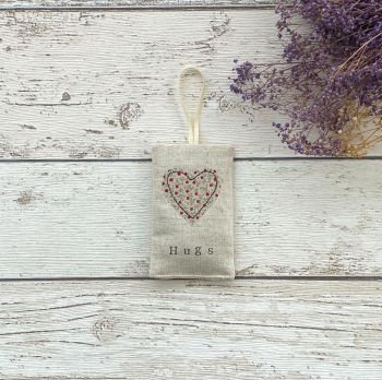 Hugs Heart Lavender Pouch - Ditsy Red Flowers Heart