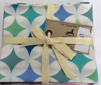 Fabric Freedom Fat Quarter Set - Cathedral Window