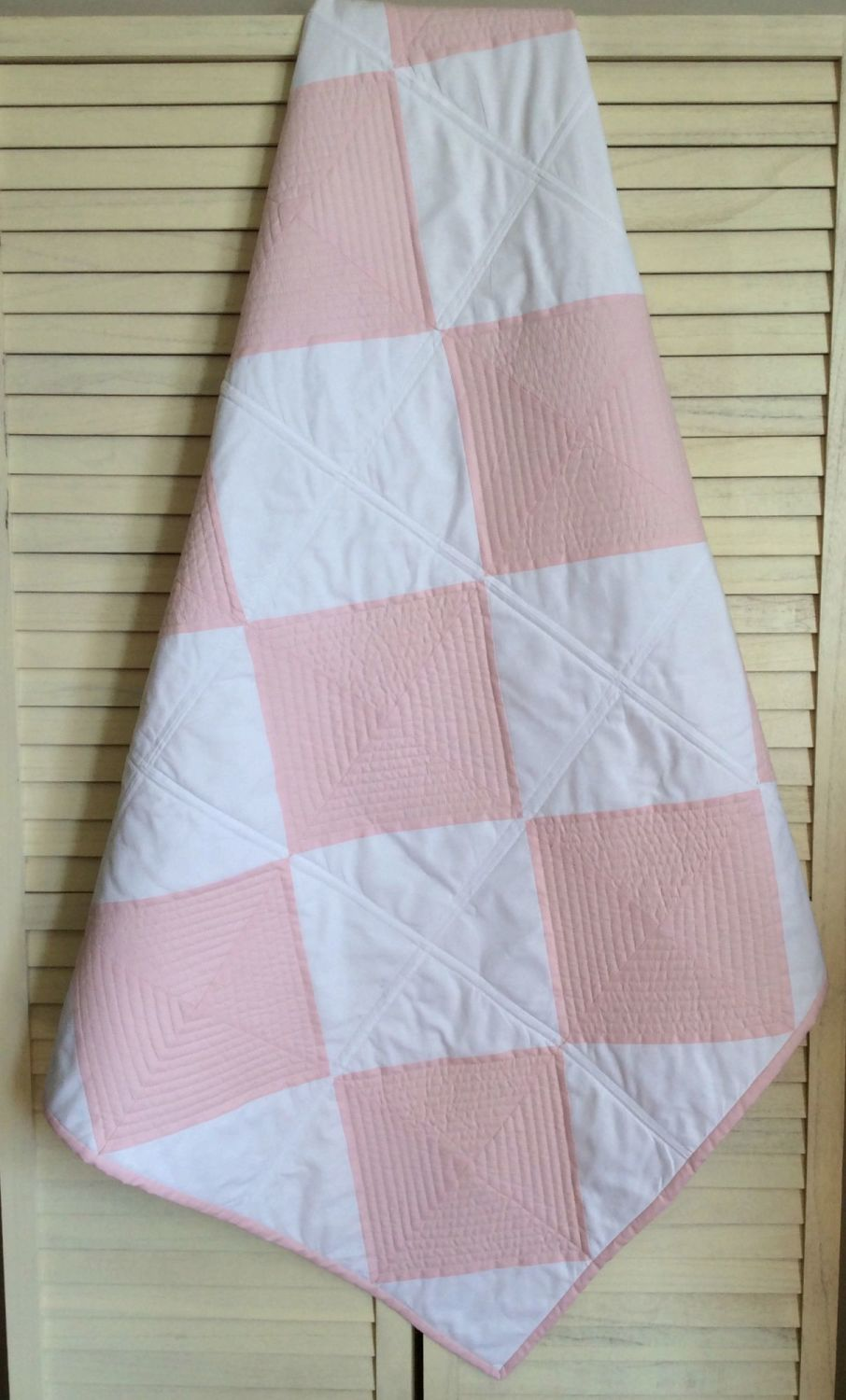 Square Diamond Baby Quilt (Pink and White)