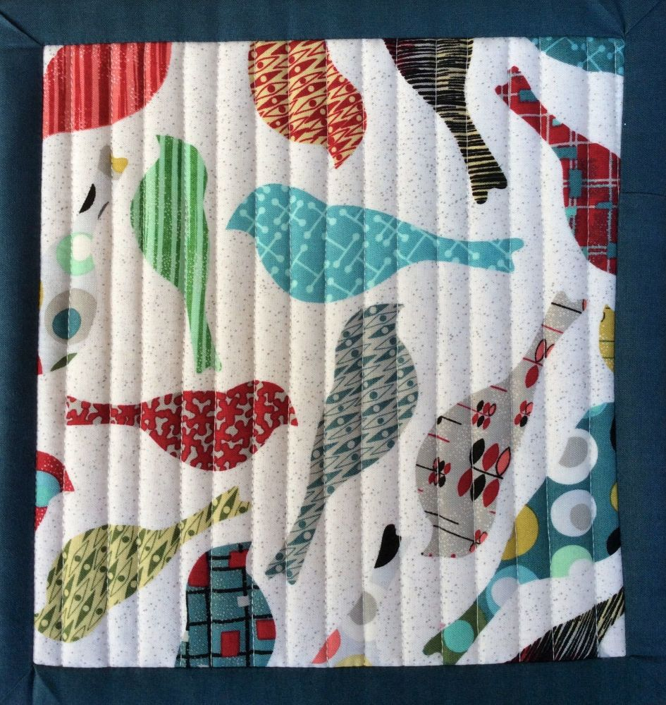 Mid Mod Quilted Place Mat (Bird Cream and Eye Green)
