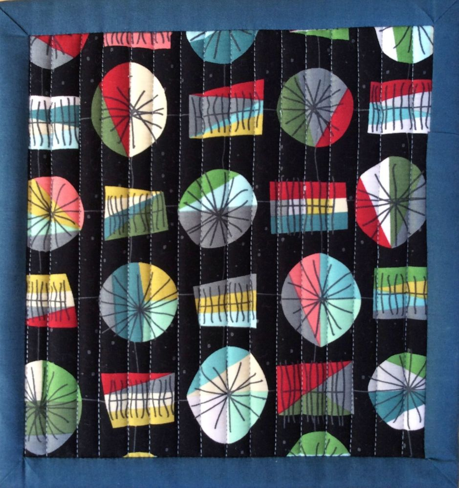 Mid Mod Quilted Place Mat (Main Black and Wave Black)