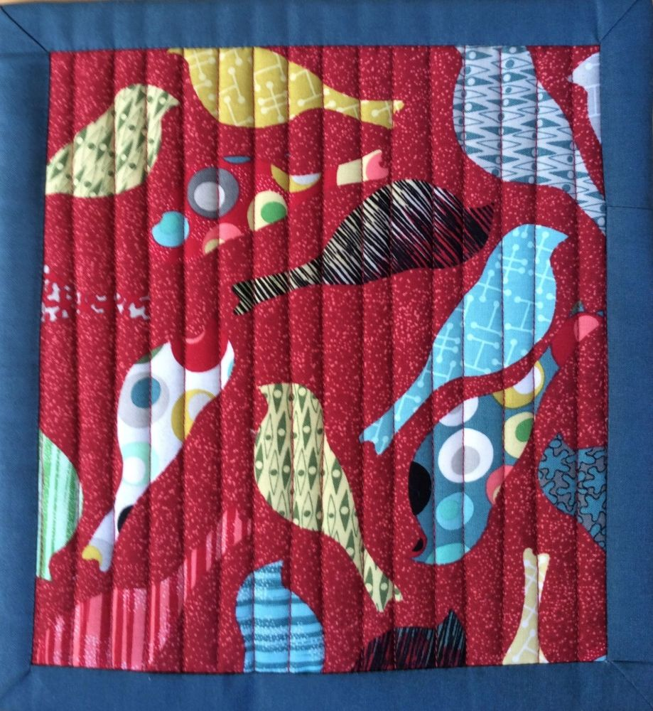 Mid Mod Quilted Place Mat (Bird Red and Circles Grey)