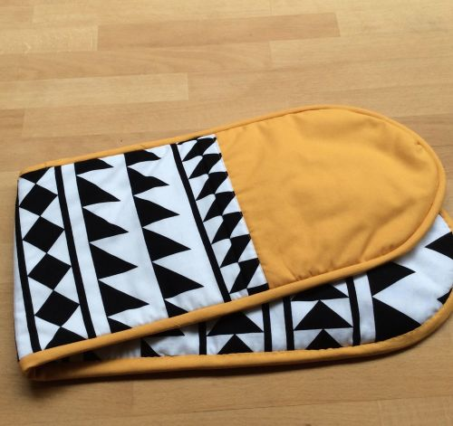 Funky Oven Gloves (Yellow)