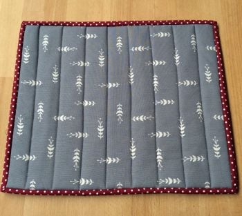 Quilted Place Mat - Grey and White (2)