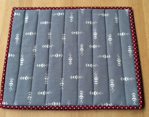 Quilted Place Mat - Grey and White (4)