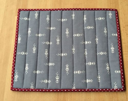 Quilted Place Mat - Grey and White (5)