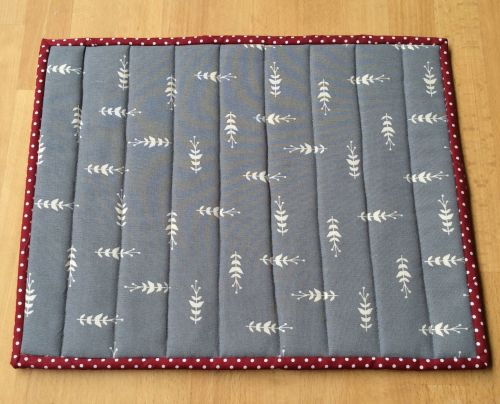 Quilted Place Mat - Grey and White (6)