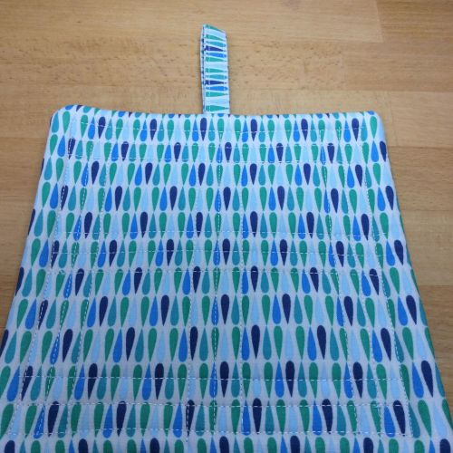 Single Quiklted Pot Holder with Tab