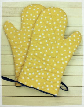 Oven Mitts (Yellow and White Polka Dots)