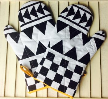 Sashing Stash Oven Mitts