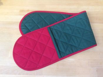 Quilted Double Oven Gloves in Red and Green