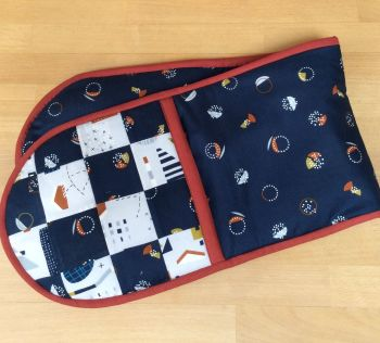 New Horizons Double Oven Gloves