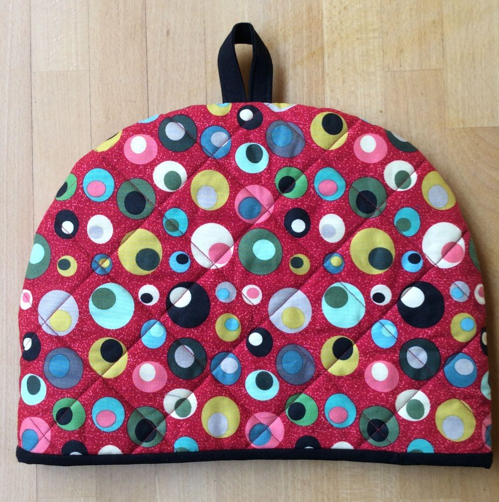 Mid Mod Circles in Red Tea Cosy